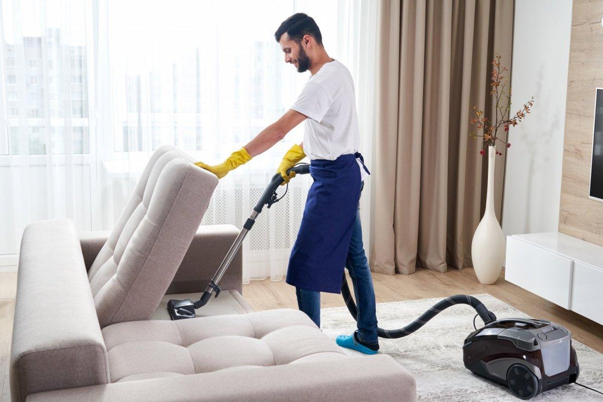 Piperetakarítás a nappaliban, hálószobában